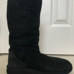 UGG Shoes - Black mid-calf UGGs